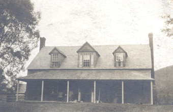 A picture of Woodman's Inn in the late 1800s.